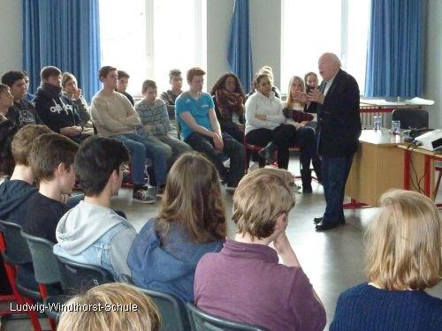 Jochen Stern zu Gast in der Ludwig-Windthorst-Schule