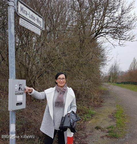 Die stellvertretende Bezirksbürgermeisterin Regine Kramarek (B90/Grüne) hat vorübergehend die Betreuung der verwaisten Gassibox übernommen